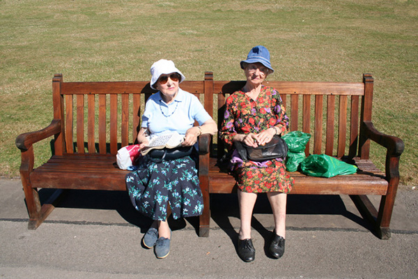 old-ladies-on-a-bench-1436827
